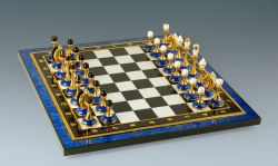 Шахматы из лазурита.