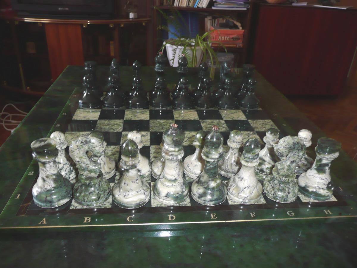 Картинки по запросу фото шахматы из нефрита.